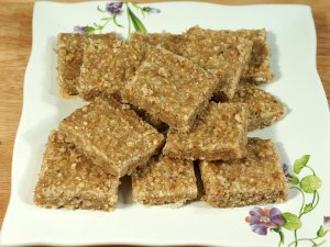 flaxseed_burfi_healthy_nut_bar